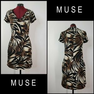 Muse Woman Stretch Short Sleeve Dress Size 8 Brown